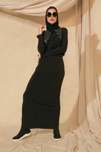 LONG DRESS WITH REMOVABLE HOODED SCARF